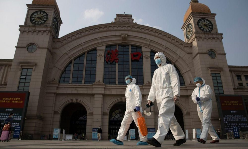 Largest Covid outbreak in China closes Beijing transport links