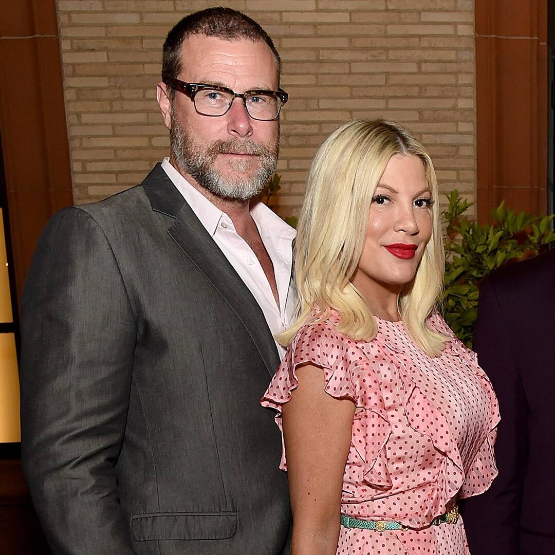 Watch Tori Spelling Dodge Question on Where She & Dean McDermott Stand